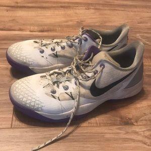 Nike Kobe basketball shoes 11.5